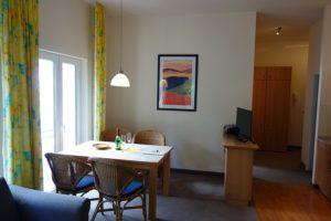Essbereich und TV Wohnung 4