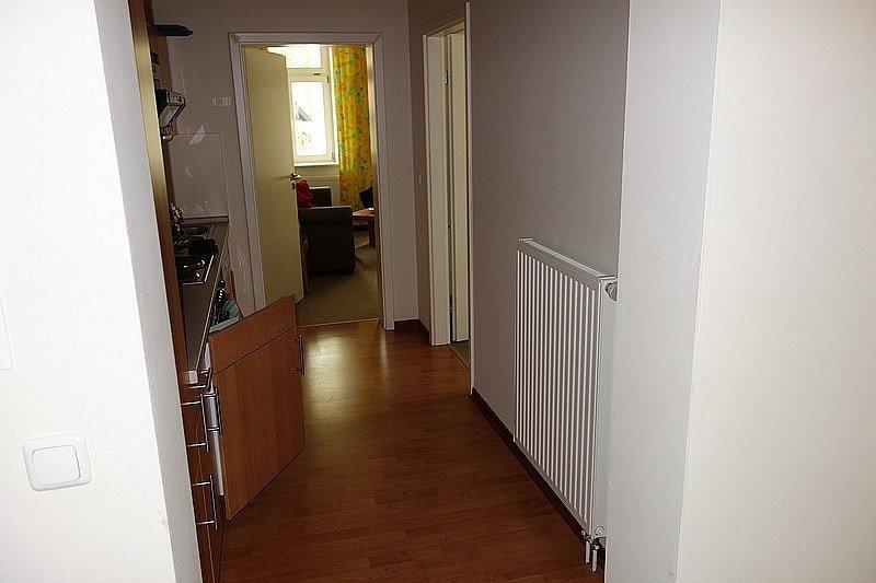 Küche und Flur Wohnung 2
