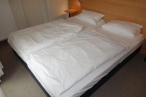 Schlafzimmer 1 mit Doppelbett 180 * 200 cm