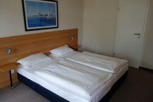 Schlafzimmer 1 Doppelbett 180 cm * 200 cm Wohnung 9