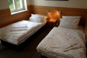 Schlafzimmer 2 mit Einzelbetten: je 90*200 cm