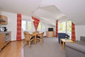 Essbereich, Küche und Wohnbereich Wohnung 11