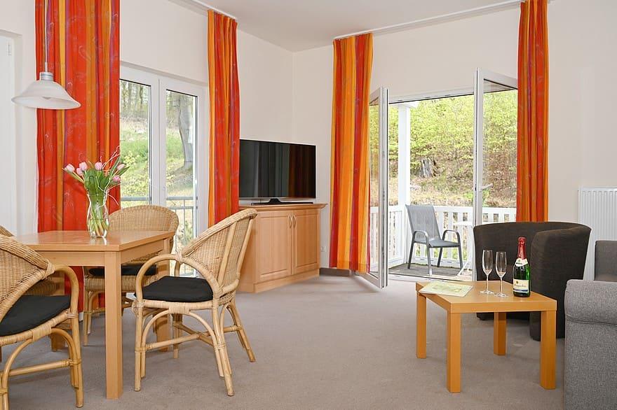 Helles, freundliches Wohnzimmer Wohnung 7